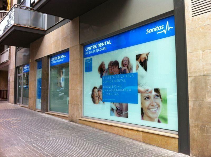 Cristaler a en barcelona gracia la cristaleria de for Oficinas sanitas barcelona