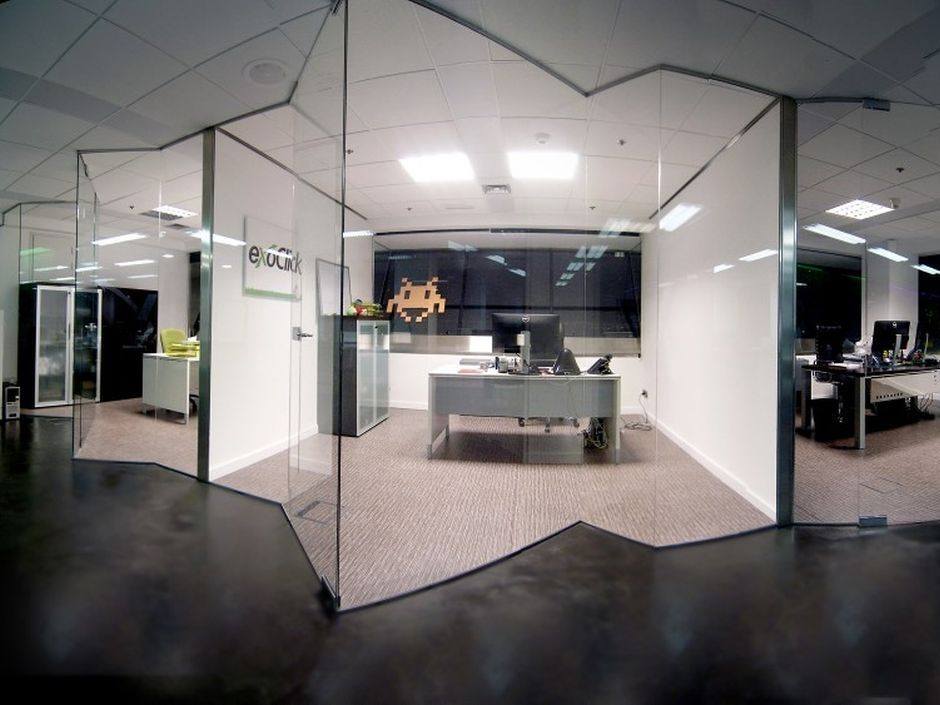 Cristales para despachos la cristaleria de barcelona - Mesas de despacho de cristal ...