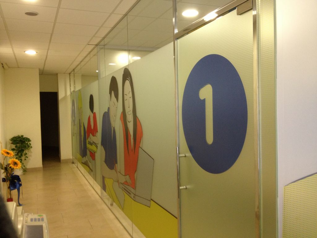 Acristalamiento de oficinas la cristaleria de barcelona for Cristales para puertas de interior en barcelona