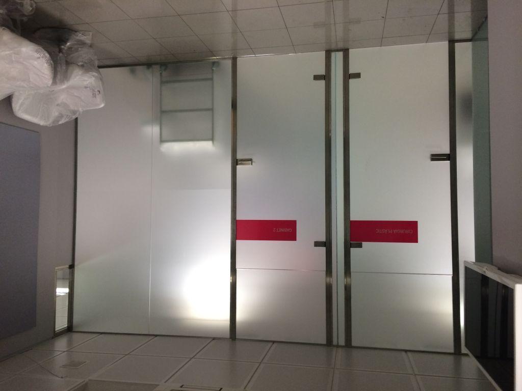Paredes de cristal la cristaleria de barcelona - Banos con paredes de cristal ...